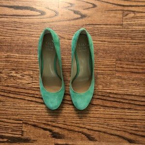 Saks Fifth Avenue green suede wedges